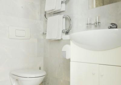 Vilnius Hotels - Amicus hotel bathroom