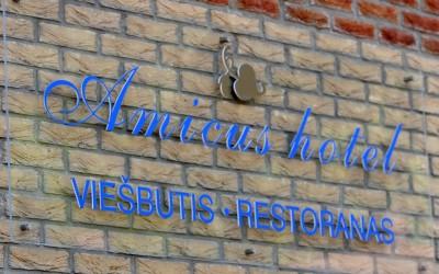 Vilnius Hotels - Amicus hotel įėjimas