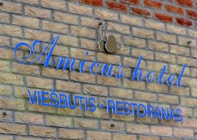 Hotele w Wilnie- Amicus hotel wejscie